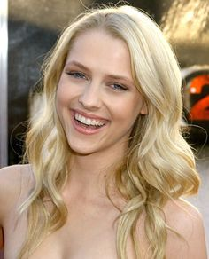 Teresa Palmer as Kate. She's gorgeous and seems like she's got the Kate personality.