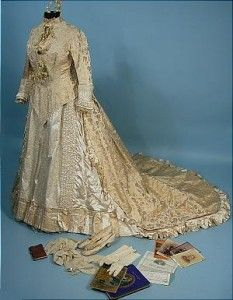 1800's wedding dress