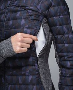 ∞ Fluff Off Jacket Work Jackets, Jackets For Women, Outdoor Fashion, Herren Outfit, Mens Activewear, Sporty Style, Athletic Outfits, Outerwear Women, Sport Fashion