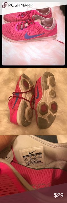 Nike training zoom fit Worn only a few times great shape hot pink! Nike Shoes Sneakers