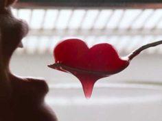 Alimentos afrodisíacos que esquentam o corpo, aumentam batimentos… Vem! https://donaelegancia.wordpress.com/2017/06/11/alimentos-afrodisiacos-que-esquentam-o-corpo-aumentam-batimentos-vem/