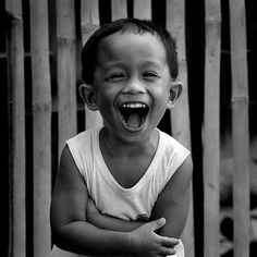 Sound of laughter, Bagacay, Dumaguete City, Philippines, 2008, photograph by Hersley-Ven Casero.