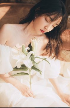 25 Ideas For Photography Wedding Ideas Faces, You can collect images you discovered organize them, add your own ideas to your collections and share with other people. Korean Girl, Asian Girl, Asian Woman, Girl Photography, Wedding Photography, J Pop, Ft Tumblr, Princess Aesthetic, Uzzlang Girl