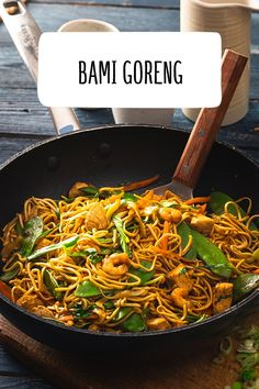 and Drink asian Bami Goreng Best Mexican Recipes, Asian Recipes, Ethnic Recipes, Egg Recipes, Lunch Recipes, Diet Recipes, Lunches And Dinners, Meals, Cooking Together