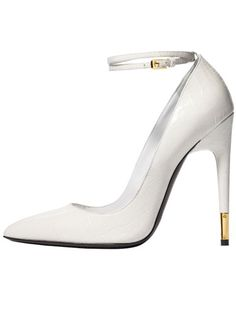 Tom Ford - Love a touch of white and gold.