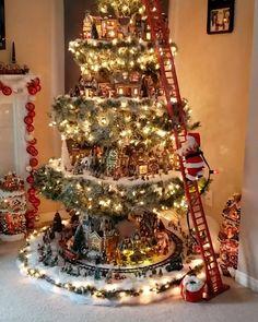 Christmas Lights Outside, Indoor Christmas Decorations, Christmas Tree Themes, Noel Christmas, Rustic Christmas, Xmas Tree, Christmas Garlands, White Christmas, Christmas Videos