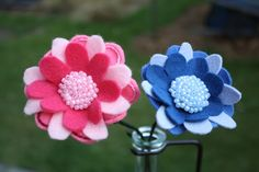 Memory Bouquet Felt Flower | Wee Folk Art Free printable pattern with different flower shapes