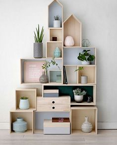 10 Essential And Stylish Shelf Decor Ideas 2019 - House & Living Diy Furniture, Furniture Design, Diy Casa, European Home Decor, Interior Decorating, Interior Design, Decorating Ideas, Decorating Websites, Room Interior