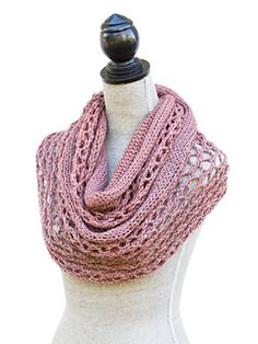 Harvest Loop is an infinity scarf. It is knitted with aran weight yarn and the pattern can be purchased in my Ravelry store.