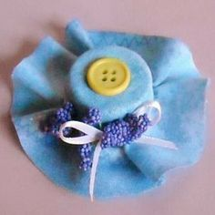 This is a guide about craft uses for plastic bottle caps. Recycle crafters are…