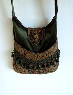 Tapestry Fringe Bag Messenger Bag Bohemian Green by piperscrossing Hippie Bags, Boho Bags, Gypsy Bag, Tapestry Bag, Fringe Bags, Handmade Purses, Vintage Purses, Fabric Bags, Boho Look