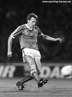 John McCLELLAND, Northern Ireland International Football Caps, Northern Ireland