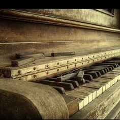 Refinishing my 1930's Lester piano