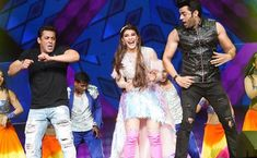 Jacqueline with salman khan and manish paul Manish Paul, Jacqueline Fernandez, Salman Khan, Songs, Photo And Video, Celebrities, Instagram, Bollywood Actress, Style
