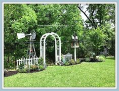 Crepe Myrtle Trees, Garden Makeover, White Picket Fence, English Country Gardens, Modern Backyard, Rose Bush, Garden Features, Salvia, Pathways