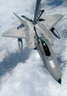 F-22 Raptor. Mid Air Refuelling.