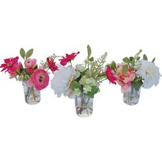Add natural appeal to your dinner table or sideboard with this faux garden flower arrangement, nestled in a glass mason jar for country charm.