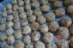 Křupavé ořechové cukroví plněné čokoládovým krémem | NejRecept.cz Dog Food Recipes, Blueberry, Fruit, Sweet, Ethnic Recipes, Erika, Author, Cooking, Top Recipes