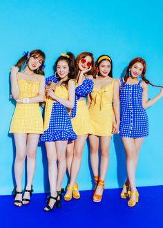 Omg they all look great but seulgi doesn't even look like herself 😮 Irene Red Velvet, Red Velvet Joy, Red Velvet Seulgi, Sooyoung, Red Velvet Photoshoot, Red Velet, Velvet Wallpaper, Chica Cool, Kpop Outfits