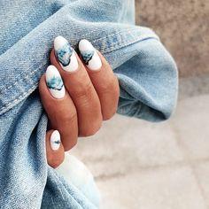 White and blue nail art - ChicLadies. Fingernails Painted, Aycrlic Nails, Nail Manicure, Pink Nails, Hair And Nails, Blue Nail, Minimalist Nails, Stylish Nails, Trendy Nails