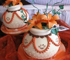 The history of wedding cake in Africa can be traced back to its colonial roots. True, this item is not exactly traditionally African but African wedding cakes are now some of the most unique. Nigerian Traditional Wedding, Traditional Wedding Decor, Traditional Cakes, Traditional Dresses, African Wedding Cakes, African Wedding Theme, African Theme, African Style, Themed Wedding Cakes