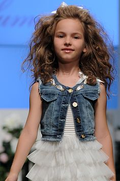 ALALOSHA: VOGUE ENFANTS: Miss Blumarine SS'14 Girls Fashion Show