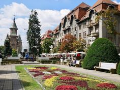 If you've never considered visiting Timisoara before then read this post with 10 reasons why Timisoara in Romania should be on your weekend bucket list! Tour Around The World, Around The Worlds, Travel Tours, Shopping Travel, Budget Travel, Mall Of America, North America, Timisoara Romania, Beach Trip