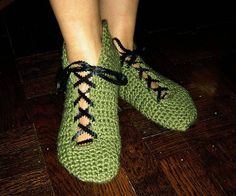 Crochet Pattern  Stylish House Shoes Teenage and Woman by Cathyren, $3.50