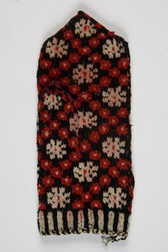 Old Estonian mitten pattern