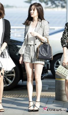 Airport Fashion – The Latest Trends in Korean Fashion and StyleSeohyun was seen at Incheon airport wearing this spring suit Snsd Fashion, Ulzzang Fashion, Girl Fashion, Fashion Outfits, Womens Fashion, Korean Airport Fashion, Korean Fashion Trends, Classy Outfits, Cute Outfits