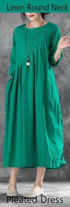 long-linen-dress-Loose-fitting-Linen-Round-Neck-Three-Quarter-Sleeve-Green-Pleated-Dress