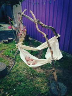 Elder Street Early Childhood Centre Rock a bye baby in the tree tops... ≈≈ For more inspiring pins: http://www.pinterest.com/kinderooacademy/provocations-inspiring-classrooms/