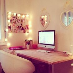 Sweet home office set up Dream Rooms, Dream Bedroom, Pretty Bedroom, Bedroom Romantic, My New Room, My Room, House Rooms, Apartment Living, Bedroom Apartment