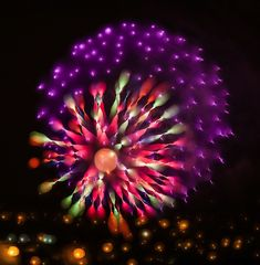 Photographer Alan Sailer is usually known for causing explosions of random things like Christmas ornaments or fruits and vegetables, and then taking high speed photos of them. Yesterday, however, he decided to slow things down a bit by taking long exposures of fireworks exploding in the sky.