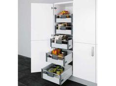 Un placard avec tiroirs coulissants, avec système d'amorti, qui permettront de bien trier les provisions.