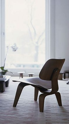 helena chairs / walnut. a reproduction of the eames lcw chair ... - Reproduction Meubles Design
