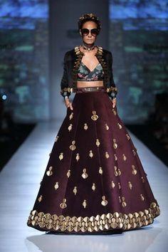 Shivan and Narresh - Amazon India Fashion Week - Autumn Winter 17 - 25