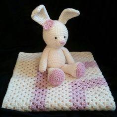 [ENG] Crochet bunny and matching blanket - completed gift for my colleague expecting a baby girl. [PL] Szydełkowy królik i kocyk do kompletu - prezent dla koleżanki z pracy spodziewającej się córeczki.  #crochet #szydełko #crochetporn #crochetlove #crochetlover #crocheting #szydełkowanie #naszydełku #crochetaddict #instacrochet #crochetersofinstagram #yarn #yarnporn #wool #crochetbabyblanket #babyblanket #crochetblanket #grannysquare #grannysquareblanket #crochetgrannysquare #amigurumi…
