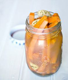 Fresh Pickled Carrots and Ginger