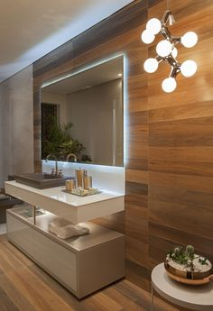 Modern Bathroom Have a nice week everyone! Today we bring you the topic: a modern bathroom. Do you know how to achieve the perfect bathroom decor? Bathroom Interior Design, Modern Interior Design, Interior Decorating, Mid Century Bathroom, Bathroom Inspiration, Modern Bathroom, Bathroom Lighting, House Design, Design Design