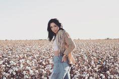 insta: @allisoncarolcreatives #photography #photographer #cotton #cottonfield #cottonfields #hat #fringe #fringejacket #boho #bohemian #earth #earthy #earthchild #nature #hippie #boho #bohemian #scottsdale #az #style #fashion #freespirit #model