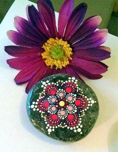 DIY Mandala Stone Patterns To Copy (11)