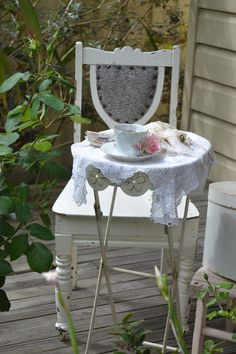 French Blue and Peachy Pink: High Tea