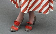 Paris Fashion Week Shoes http://www.lenuagerose.com/2014/01/street-style-from-pfw-ss-2014-shoes/