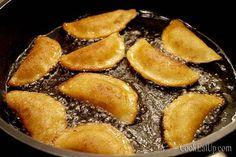 Atayef - Αταγιέφ, οι αιγυπτιακές τηγανίτες ⋆ Cook Eat Up! Greek Sweets, Pretzel Bites, Ricotta, Food And Drink, Cooking Recipes, Bread, Desserts, Tailgate Desserts, Deserts