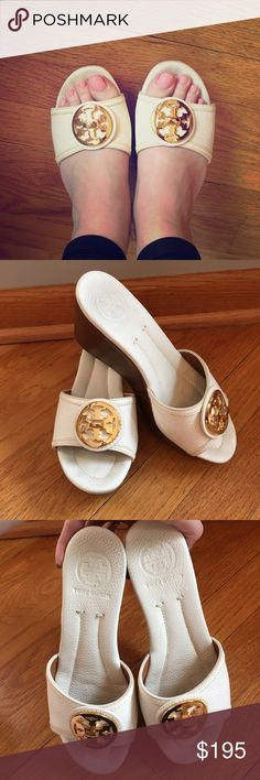 Tory Burch Sandals Size 5 1/2 Tory Burch platform sandals. Size 5 1/2. Slight wear on the top of the soles because the shoes are such a light color. Overall in great condition! Perfect for summer! Tory Burch Shoes Platforms