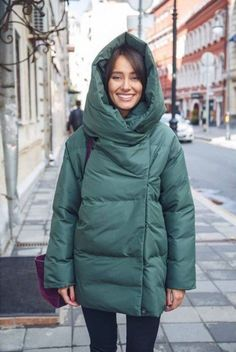 Look! Cтильные пуховики в повседневных образах! 1 Minimalist Winter Outfit, Quilted Clothes, Down Coat, Winter Looks, Winter Wear, Winter Outfits, Winter Fashion, Winter Jackets, Clothes For Women