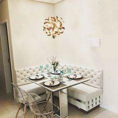 Inspiração da noite ✨✨  Foto do Pinterest . . . . #cantoalemao #mesadejantar #superdica #homedesing #newhome #home #designdeinteriores #design #interiors #interiordecor #instahome #inspiração #suacasadoseujeito #capitone #lindodemais #casadecor #decoracao #dicasdecor