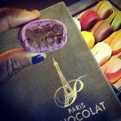 29 novembre. Bref, j'ai dégusté des Macaronia Paris Chocolat!