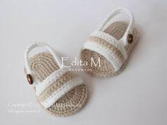 gede juga lucu baby sandals baby slippers flip flops by EditaMHANDMADE Crochet Bebe, Baby Girl Crochet, Crochet Baby Clothes, Crochet Dolls, Crochet Baby Sandals, Crochet Baby Shoes, Crochet Slippers, Baby Gladiator Sandals, Crochet Shoes Pattern